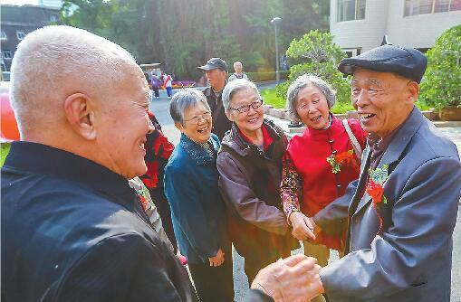 省实验中学70周岁 返校校友年龄跨度半个世纪